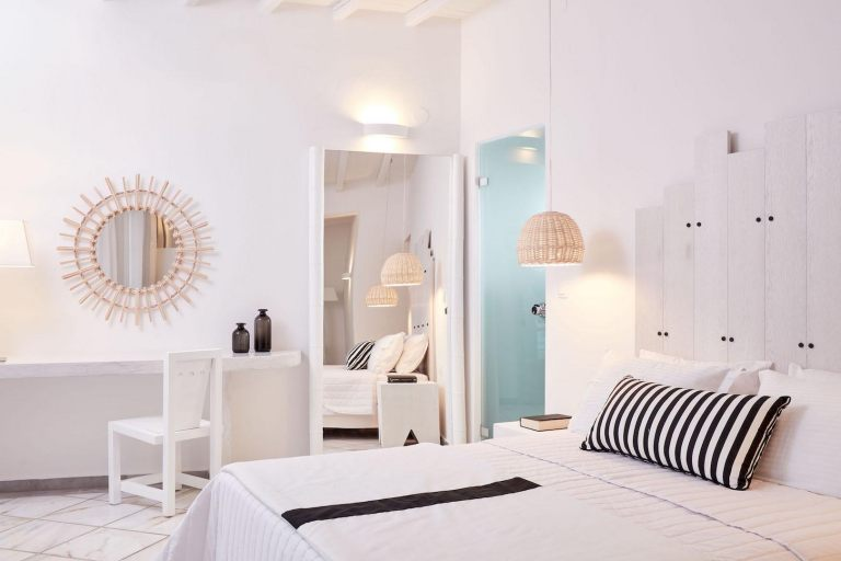 Mr-and-Mrs-White-Paros (3)
